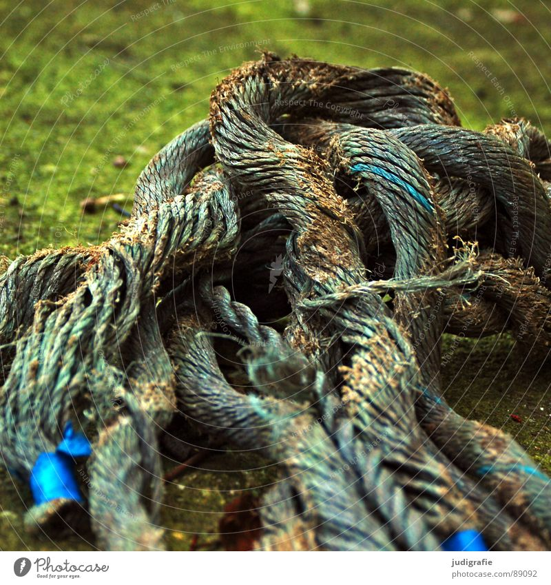 Verstrickungen alt blau Wasserfahrzeug Feste & Feiern Seil kaputt Ende Vergänglichkeit obskur Faser maritim geflochten Verflechtung