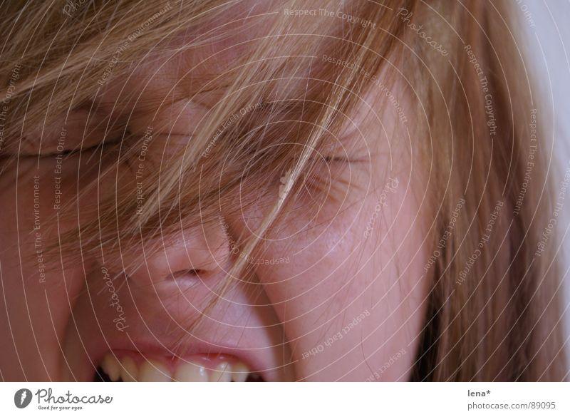 Lena 4 schreien verrückt laut Sommersprossen blond Wut Wimpern gähnen Jugendliche Auge Nase Haare & Frisuren aufgedreht Falte Augenbraun Müdigkeit Verstand