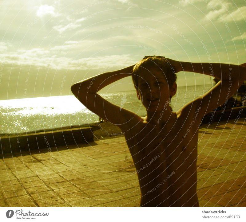 Simon No.2 Mensch Jugendliche Wasser Sonne Meer Strand Ferien & Urlaub & Reisen Wolken gelb Junge Afrika Tourist Momentaufnahme langsam unsichtbar Filter