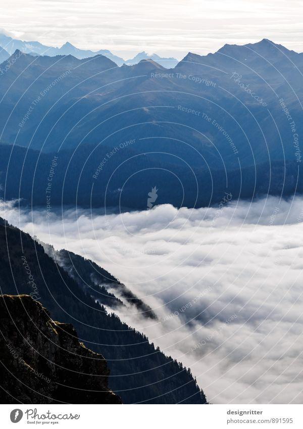 Stilles Tosen Berge u. Gebirge Umwelt Natur Landschaft Urelemente Luft Wolken Klima Wetter Schönes Wetter Nebel Felsen Alpen Gipfel Küste Meer Brandung