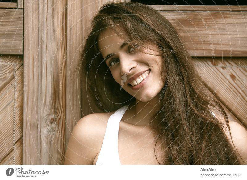 mit Grübchen Jugendliche schön Junge Frau 18-30 Jahre Erwachsene Gesicht feminin natürlich Glück lachen Kopf ästhetisch Fröhlichkeit Lächeln Schönes Wetter Lebensfreude