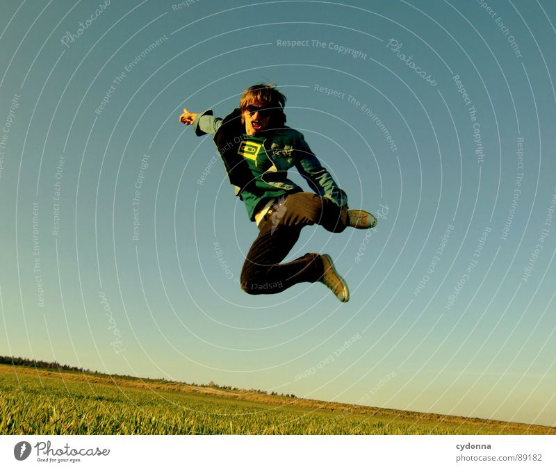 Spring ins Feld! VIII Mensch Himmel Mann Natur grün Pflanze Freude Landschaft Leben Wiese Gefühle Freiheit Gras Bewegung Frühling Stil
