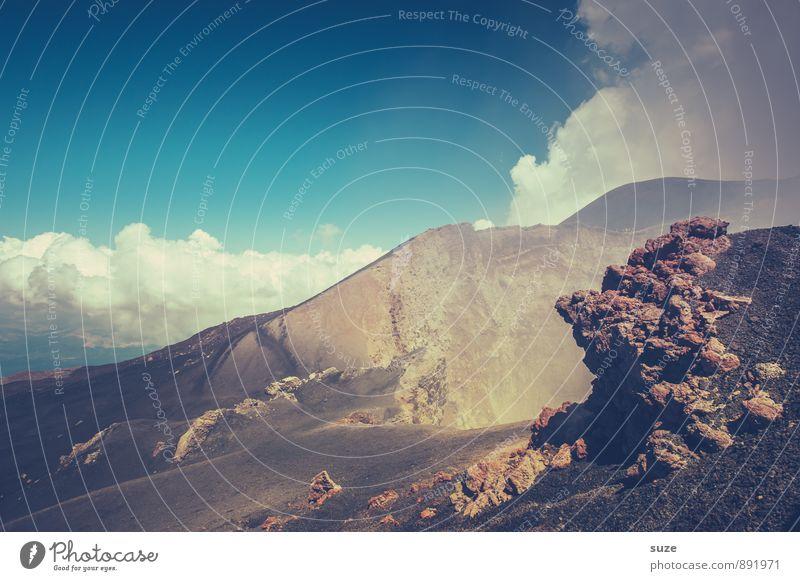 Das offene Ende Ferien & Urlaub & Reisen Abenteuer Expedition Berge u. Gebirge wandern Umwelt Natur Urelemente Erde Himmel Wolken Felsen Gipfel Vulkan Rauch