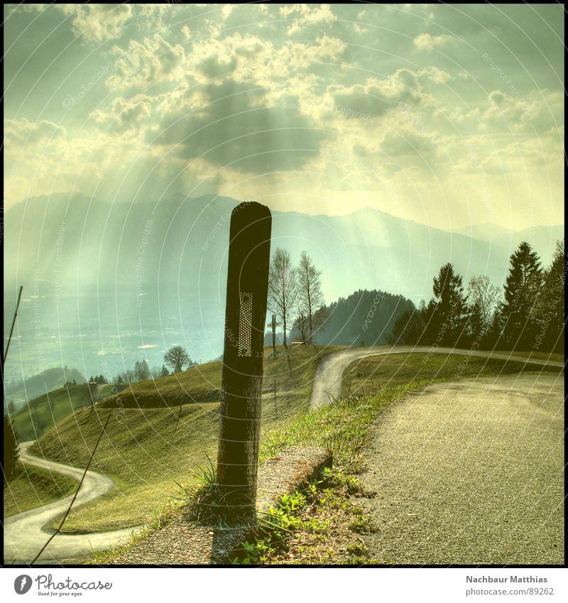 heiliger pfosten Wald Wiese Zaun grün Baum Sonne Luft HDR Wolken Erholung ruhig Hoffnung Erkenntnis Straßenrand Fußweg Kilometerstein Reflektor Himmel Sommer