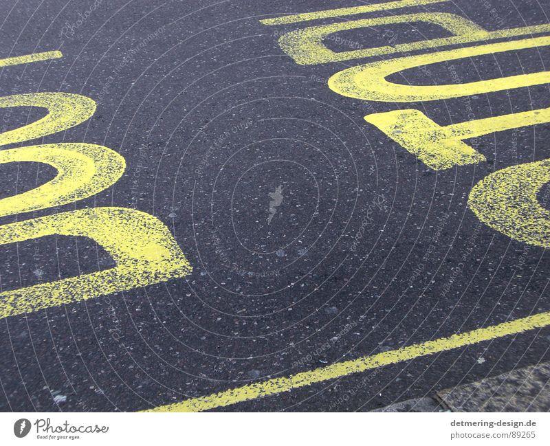dont stop* Asphalt Fußgänger stoppen Vorsichtsmaßnahme Beton gelb Verkehr schwarz Streifen diagonal Hintergrundbild gemalt graphisch Stil London trashig