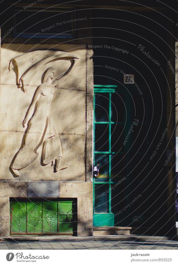 Gewissheit an der Tür Wand feminin Frühling Stil Mauer Glück Zeit elegant Kraft frei laufen ästhetisch retro Ziffern & Zahlen historisch