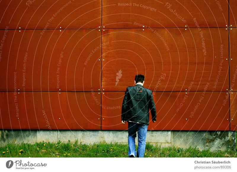 IN FRONT OF....... Himmel grün blau rot Wand Gras orange Metall laufen Beton Industrie Rost Schönes Wetter Eisen Schraube Rechteck