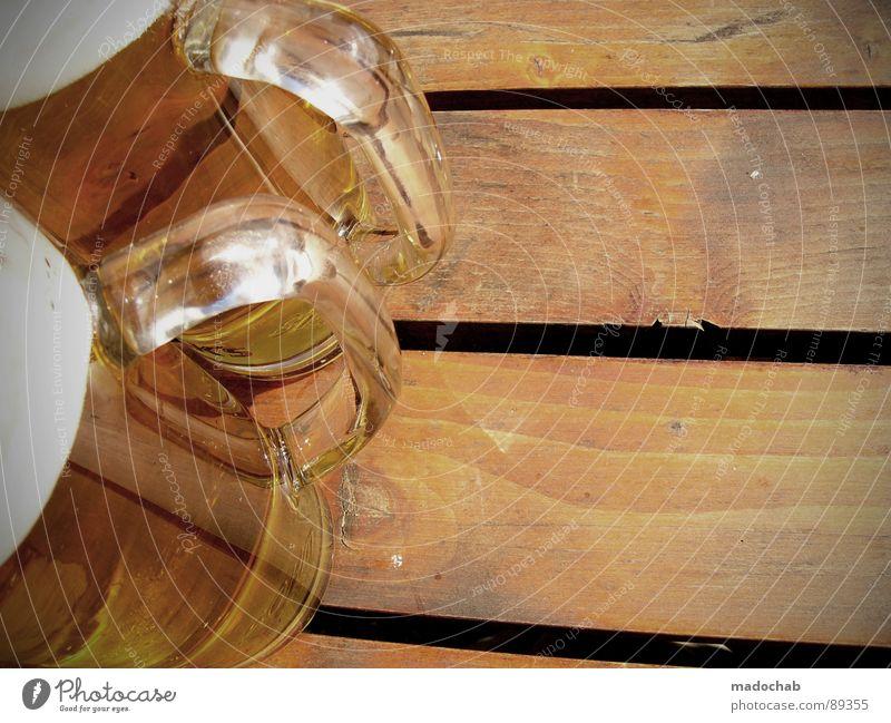 MEET ME AT THE BIERGARTEN Sommer Freude Ernährung Einsamkeit Erholung Holz warten Lebensmittel maskulin sitzen frisch Hoffnung Pause trinken Bank