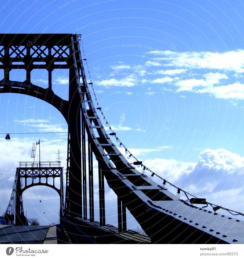 Arbeitnehmerfreundliche Brückentage | Wolken weiß dunkel schwarz Europa Wilhelmshaven Eisen schön Außenaufnahme Deutschland Himmel hell blau Eisenbrücke Metall