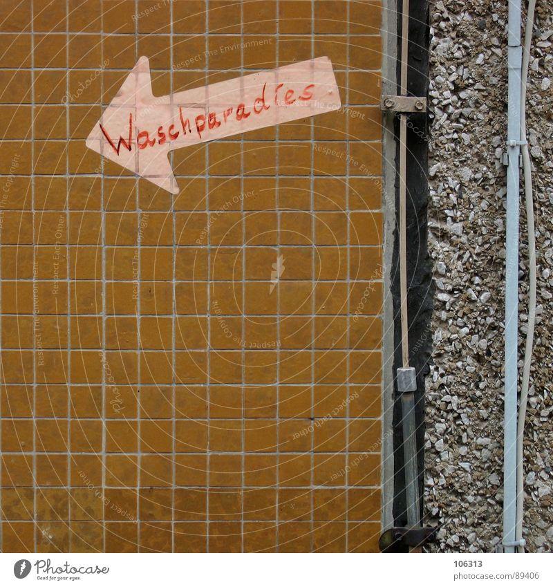 NO.30 UND AB IN DIE WÄSCHE alt Wasser Einsamkeit Architektur Gebäude Deutschland dreckig Schwimmen & Baden Schriftzeichen Netzwerk Hinweisschild Kabel