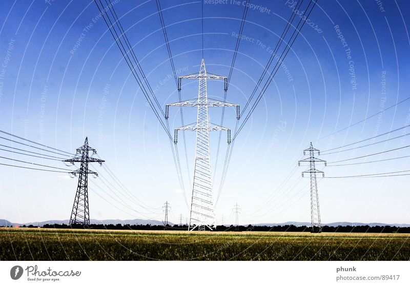 ... durchziehen das land. #2 Strommast Feld Versorgung Industrie Sicherheit stom starkstom Energiewirtschaft Leitung Kabel Amerika