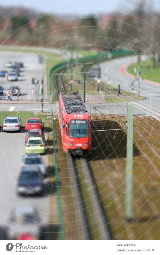 Miniaturisiertes I Straße PKW Verkehr Spielzeug Gleise Bahnhof Parkplatz Ampel Mischung Straßenbahn Oberleitung Bielefeld Modellbau