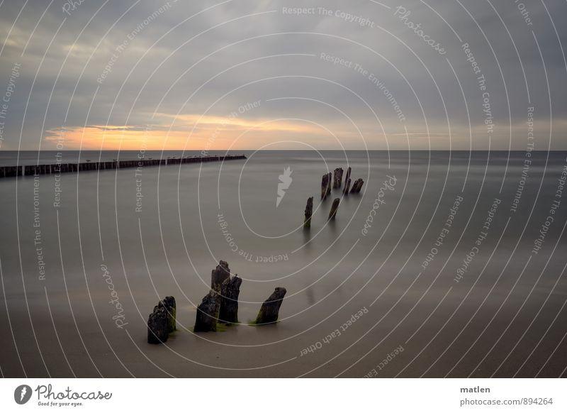 Morgengrauen Natur Landschaft Himmel Wolken Gewitterwolken Horizont Sonnenaufgang Sonnenuntergang Frühling Wetter schlechtes Wetter Küste Ostsee rot schwarz