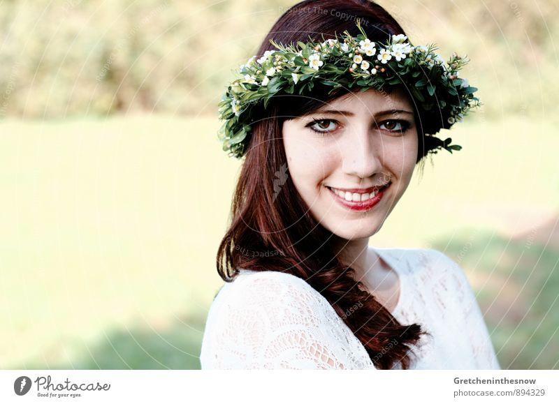 Blumenkranz 4 Mensch Frau Jugendliche schön weiß Junge Frau 18-30 Jahre Erotik schwarz Erwachsene feminin Liebe Haare & Frisuren Glück lachen Gesundheit
