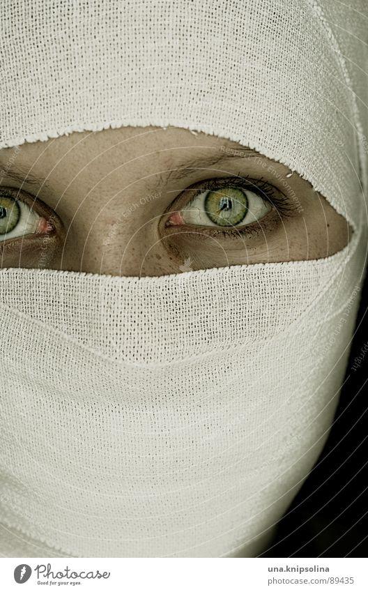 fixatrice Jugendliche weiß grün Auge Stoff Krankheit verbinden Verband bandagieren