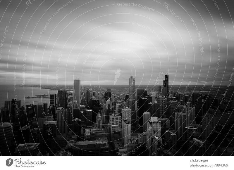 Chicago Skyline Ferien & Urlaub & Reisen Stadt Haus dunkel Hochhaus USA Bankgebäude Stadtzentrum Hauptstadt Sehenswürdigkeit bevölkert Mittlerer Westen