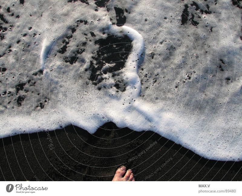 Lavastrand Wasser weiß Meer Strand Ferien & Urlaub & Reisen schwarz Stein Fuß Sand Erde Spanien Schaum Atlantik Mineralien Kanaren