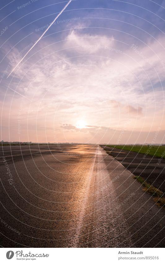 Straße - Gerade - Horizont - Himmel Natur Sommer Sonne Einsamkeit Landschaft Ferne Herbst Wiese Hintergrundbild Linie Stimmung glänzend groß Geschwindigkeit
