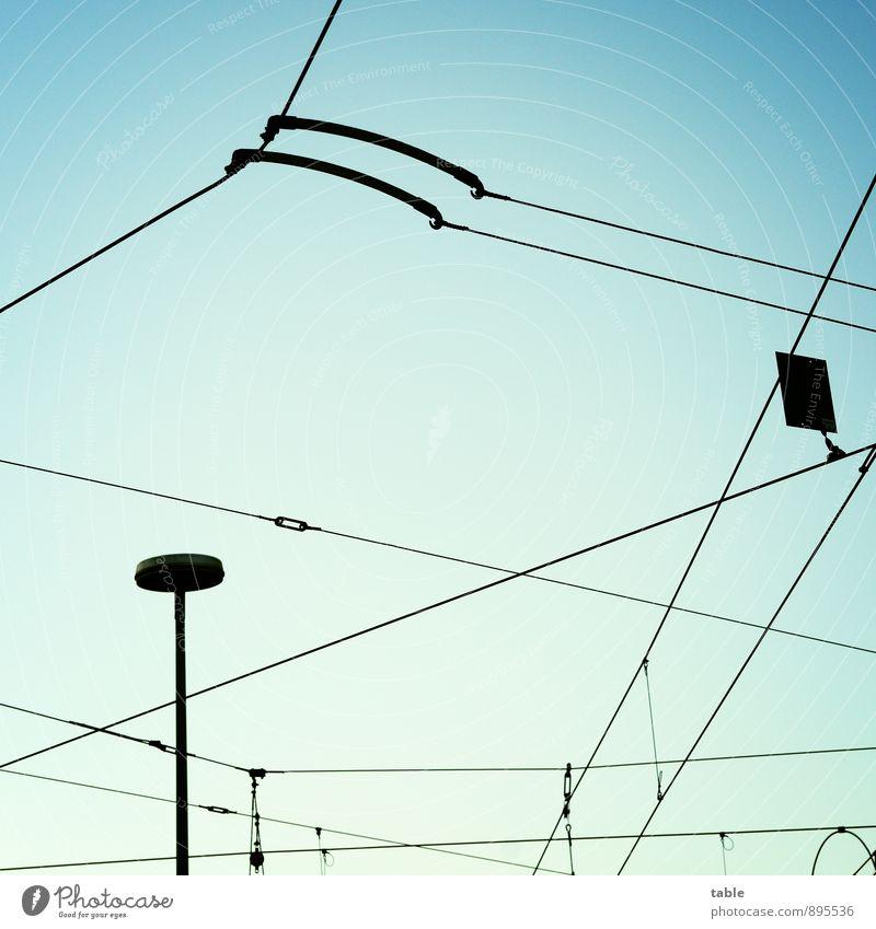 Netzwerk Himmel Stadt blau schwarz Bewegung Berlin Metall Luft Energiewirtschaft Verkehr Technik & Technologie Schönes Wetter planen Güterverkehr & Logistik