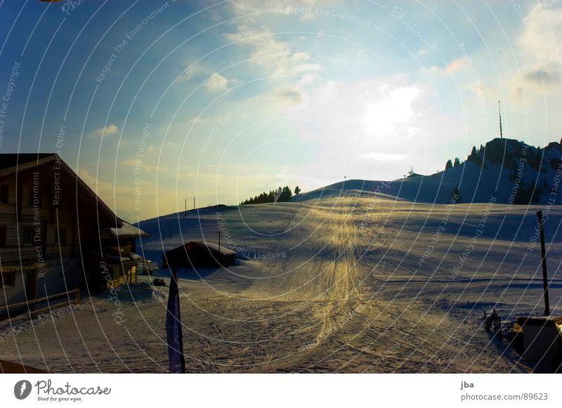 Hornfluh Himmel Sonne blau Haus Wolken gelb Schnee Fenster Berge u. Gebirge Holz Beleuchtung Spitze Hotel Gipfel Landhaus Abenddämmerung