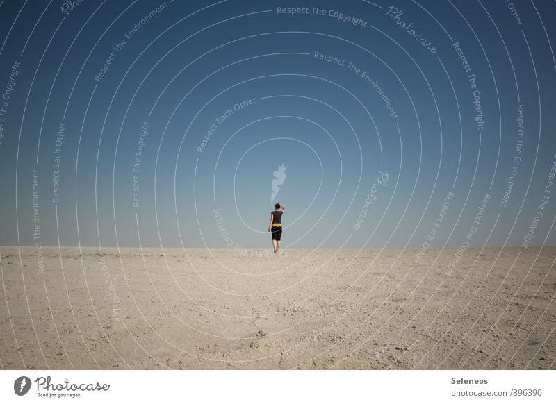am Ende Ferien & Urlaub & Reisen Tourismus Ausflug Abenteuer Ferne Freiheit Sommer Sonne Mensch 1 Landschaft Wolkenloser Himmel Horizont Wüste Namibia