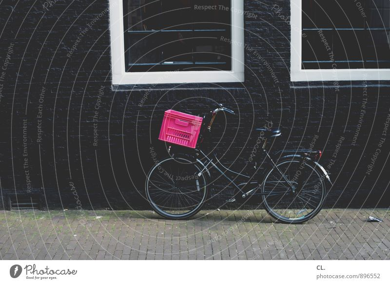 amsterdam Haus Mauer Wand Fenster Verkehr Verkehrsmittel Verkehrswege Straßenverkehr Fahrradfahren Wege & Pfade Bürgersteig fahrradkorb Korb rosa