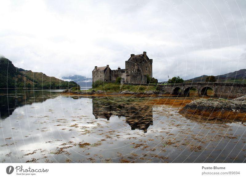 Eilean Donan Eilean Donan Castle Schottland Highlander Großbritannien See Highlands Denkmal Kulisse Loch Duich historisch Kunst Kultur Macht Dornie