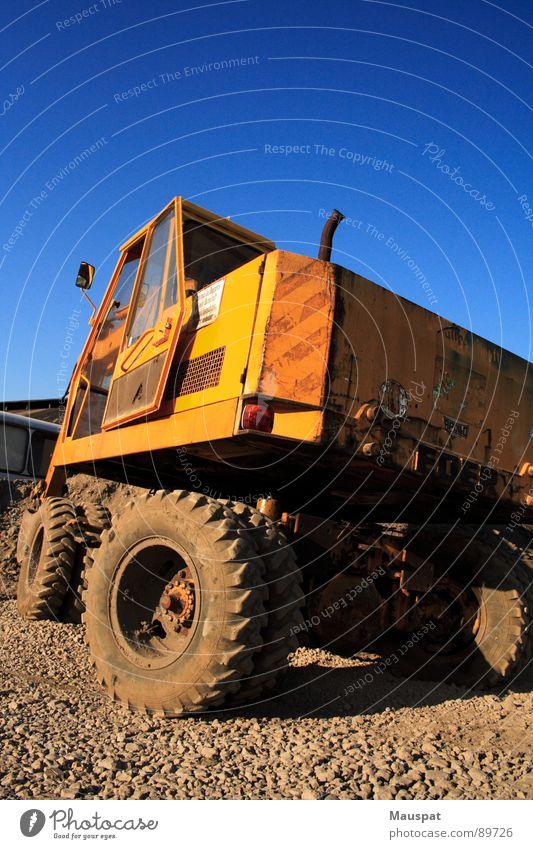 Bagger Arbeit & Erwerbstätigkeit Kraft Wetter Energiewirtschaft Baustelle Handwerk Maschine Fahrzeug Gerät Feierabend