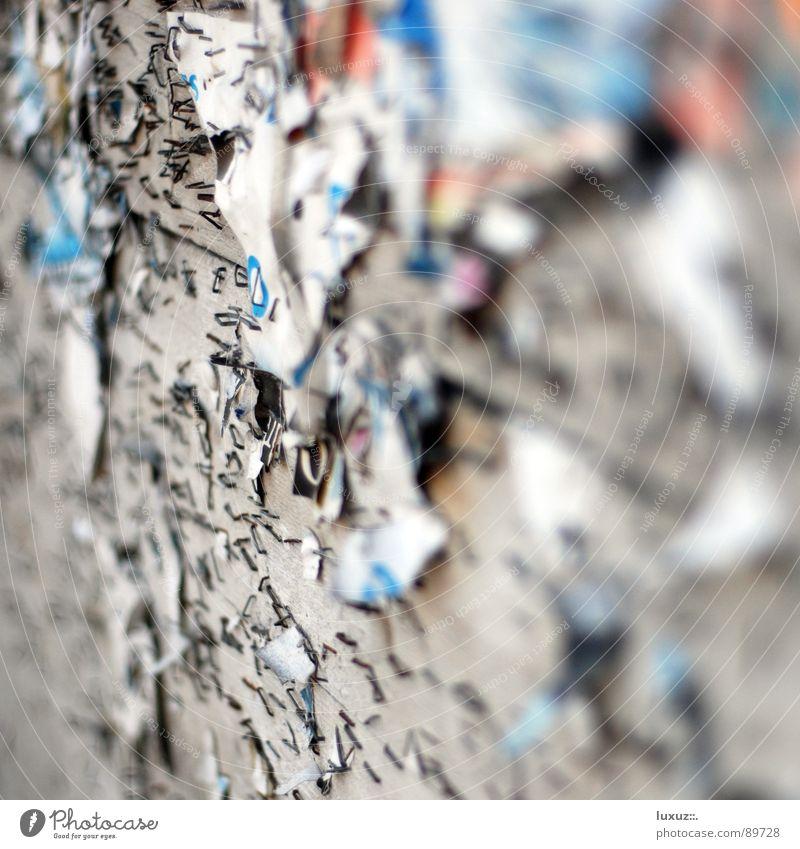 Plakatieren verboten! alt Wand kaputt Kommunizieren Falte verfallen Konzert Werbung Rost Verfall Veranstaltung Verbote Klammer Rest aktuell