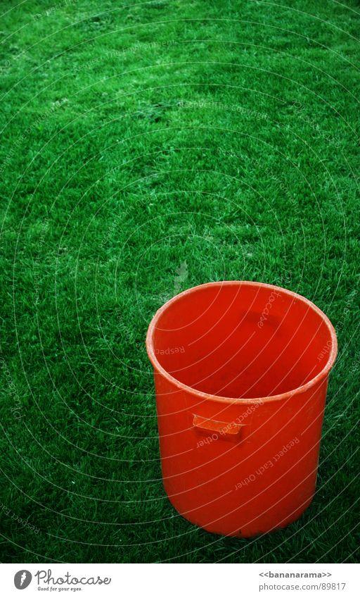 Bottich Kübel Kessel Behälter u. Gefäße Wiese grün Gartenarbeit Gärtner Eimer Freizeit & Hobby orange Farbe Natur