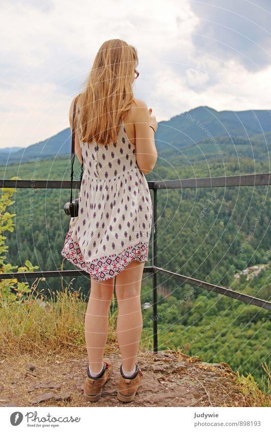 Wanderlust Gesundheit sportlich Leben Ferien & Urlaub & Reisen Tourismus Ausflug Abenteuer Freiheit Sommer Sommerurlaub Berge u. Gebirge wandern Mensch feminin