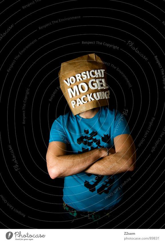 vorsicht Mogelpackung! VIII Mensch Mann blau schwarz Ferne Lebensmittel braun kaufen stehen Buchstaben Industriefotografie Aussicht Ladengeschäft Vorsicht