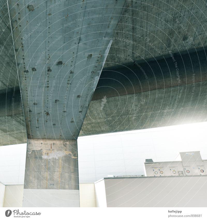 spaceship Brücke Mauer Wand Fassade silber Beton grau Architektur Linie abstrakt Farbfoto Gedeckte Farben Außenaufnahme Licht Schatten Kontrast