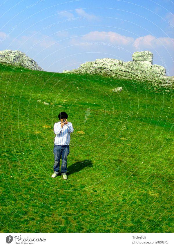 Motiv Himmel weiß grün blau Wolken Einsamkeit Wiese Freiheit hell Felsen Ordnung Langeweile Fotograf