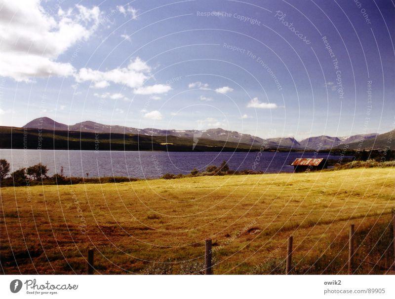 So fern, so nah Himmel Natur blau Pflanze Ferien & Urlaub & Reisen Wolken Einsamkeit Ferne Wiese Freiheit Berge u. Gebirge Landschaft Umwelt See Ausflug groß