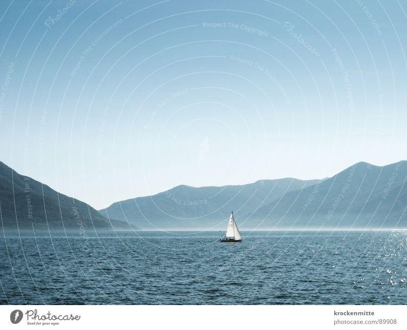 Lago Mio Wasser blau Sommer Ferien & Urlaub & Reisen ruhig Einsamkeit Erholung Berge u. Gebirge See Wasserfahrzeug Tourismus Schweiz Segel Verlauf Segelschiff Bergkette