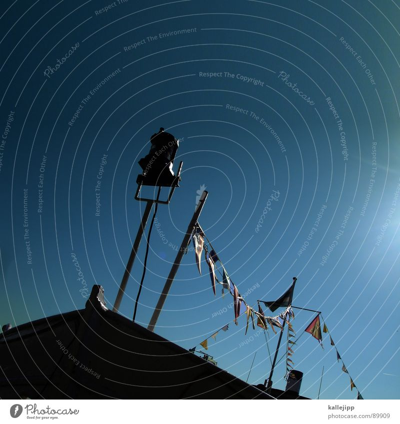alles klar auf der andrea doria (für carls musikgeschmack?) Himmel Sonne Meer See Wasserfahrzeug Seil Fahne Hafen Laterne Schornstein Seemann Passagier Pirat Kapitän Anker Schiffsbug