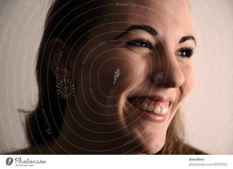 Die pure Freude Jugendliche schön Junge Frau Freude 18-30 Jahre Erwachsene Gesicht Wärme feminin Glück lachen glänzend authentisch ästhetisch Fröhlichkeit Lächeln