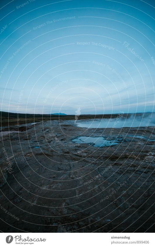 I'm in Iceland. Natur Wolkenloser Himmel Horizont Ferien & Urlaub & Reisen Island Geysir Wasserdampf Gas Felsen Teich kalt Farbfoto Gedeckte Farben Menschenleer