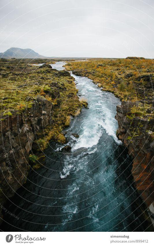 I'm in Iceland. Natur Ferien & Urlaub & Reisen blau grün Wasser Landschaft Wolken kalt Felsen Idylle Sträucher Trinkwasser Urelemente Sauberkeit Hügel Fluss