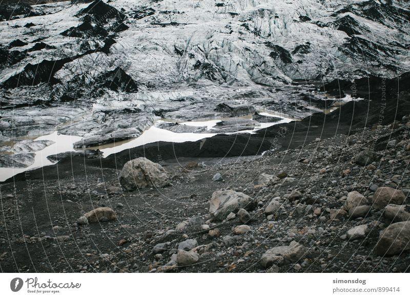 I'm in Iceland. Natur Urelemente Wasser Eis Frost Felsen Gletscher Idylle kalt Strukturen & Formen Gletschereis Island Stein Kies Klimawandel Farbfoto