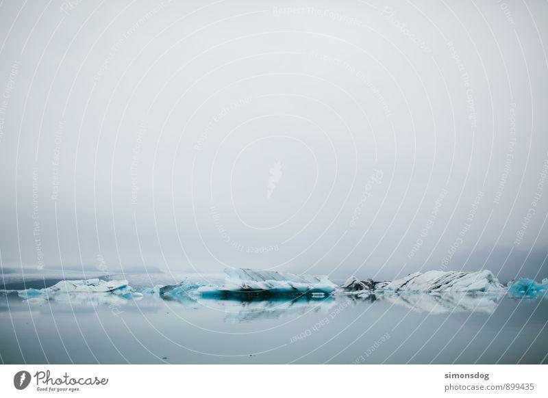 I'm in Iceland. Natur Ferien & Urlaub & Reisen Meer Landschaft ruhig Wolken Winter kalt Umwelt See Eis Idylle Nebel Zufriedenheit Klima Urelemente