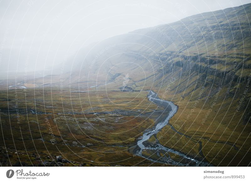 I'm in Iceland. Natur Ferien & Urlaub & Reisen grün Landschaft Wolken Berge u. Gebirge Horizont Idylle Nebel Aussicht Fluss Island Dunst Bach Tal Flußbett