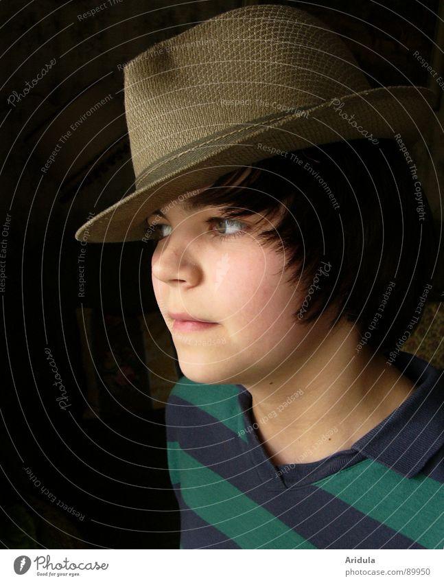 <<<<< Kind Jugendliche Gesicht Junge Coolness Konzentration Hut