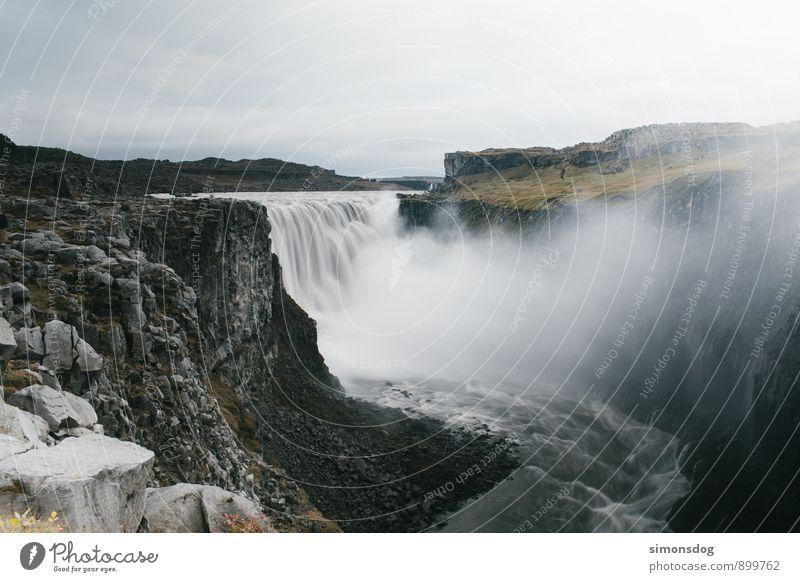 I'm in Iceland. Natur Landschaft Wasser Wolken Herbst schlechtes Wetter Fluss Wasserfall Macht Ferien & Urlaub & Reisen Island Schlucht Felsen groß Gischt