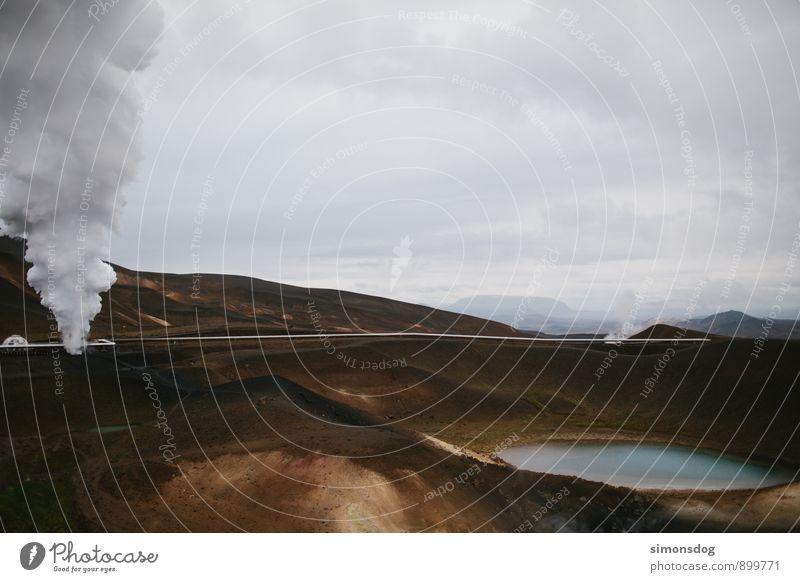 I'm in Iceland. Ferien & Urlaub & Reisen Landschaft Wolken Wärme See Energiewirtschaft Erde Island Abgas Druck schlechtes Wetter Pipeline Vulkankrater Wärmeleitung