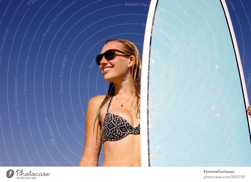 SurferGirl_12 Mensch Frau Jugendliche Sommer Sonne Meer Junge Frau Freude 18-30 Jahre Strand Ferne Erwachsene Bewegung feminin Glück Freiheit