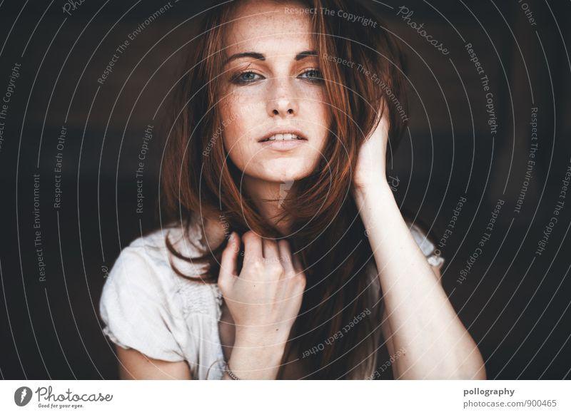... Lifestyle schön Gesicht Mensch feminin Junge Frau Jugendliche Erwachsene Leben Körper Kopf 1 18-30 Jahre T-Shirt Haare & Frisuren brünett Gefühle Stimmung