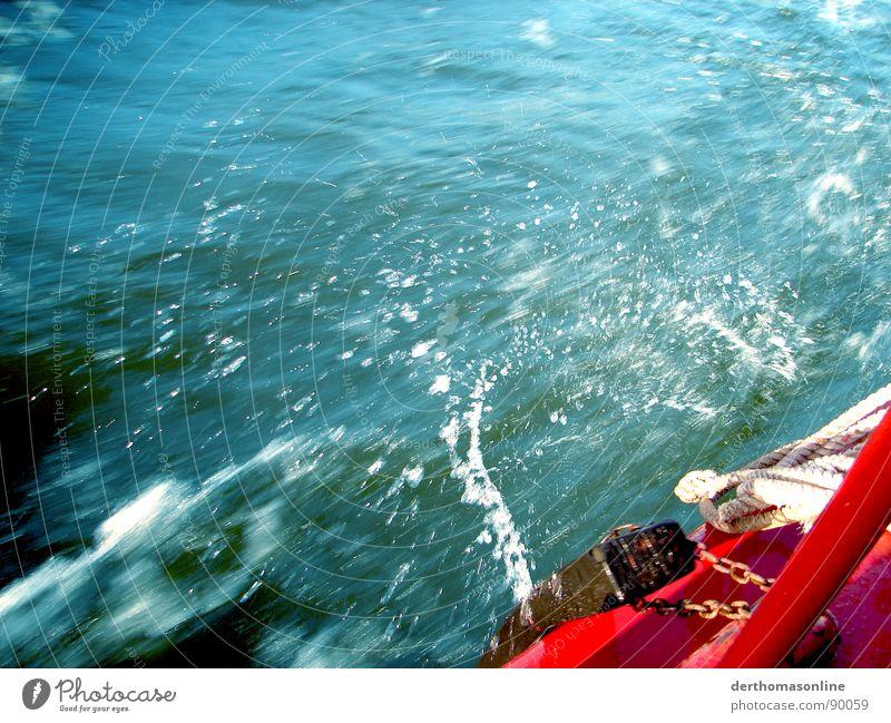 Splash blau Wasser weiß grün Ferien & Urlaub & Reisen rot Meer Sommer schwarz kalt Bewegung Küste klein springen Stil Regen