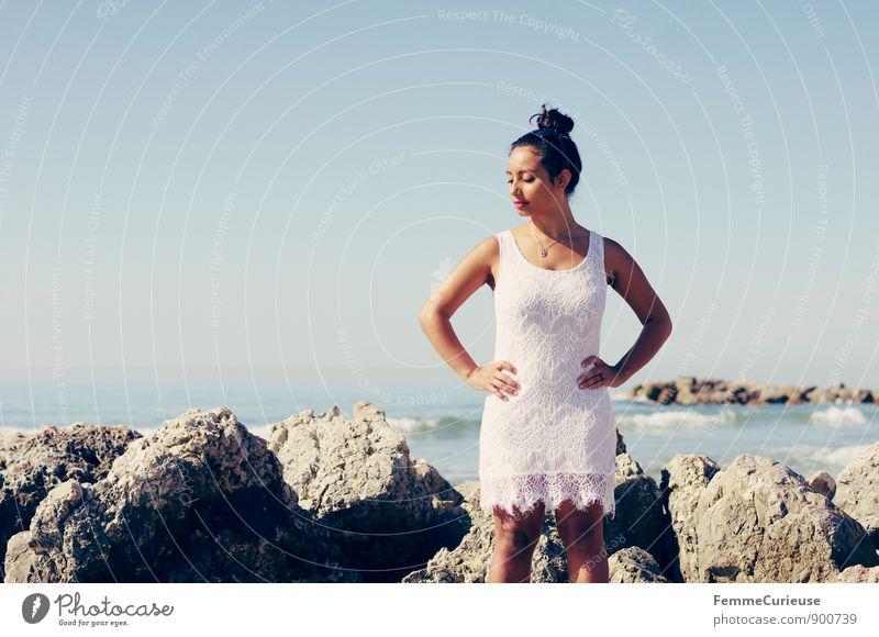 Mademoiselle_11 Mensch Frau Ferien & Urlaub & Reisen Jugendliche weiß Sommer Sonne Meer Erholung Junge Frau ruhig 18-30 Jahre Strand Ferne Erwachsene feminin